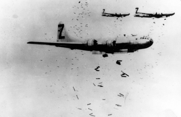 b29_B-29-releases-incendiary-bombs-on-Yokohama-in-May-1945_050607-F-1234P-085